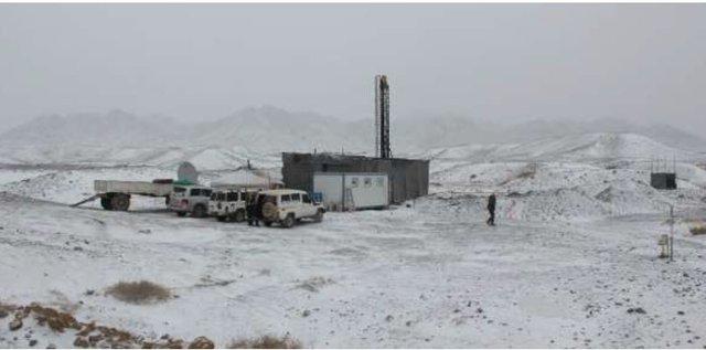 A rare recent snow-fall at Nomgon-1